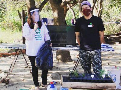 Instalan huertas comunitarias en apoyo a las ollas populares en los bañados
