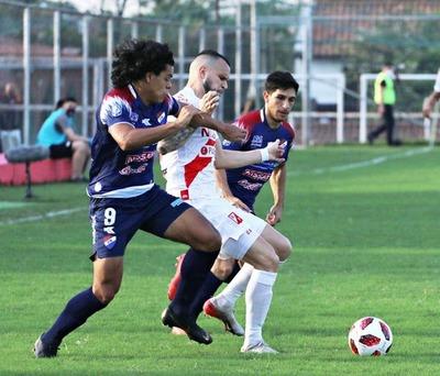 Volvió el fútbol: Nacional y River empataron