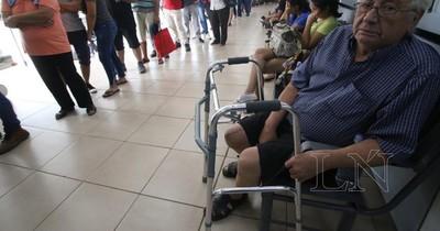 Senadores plantean migración de funcionarios públicos al IPS
