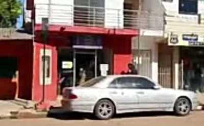 En asalto express, solitario atracador vacía caja de una financiera