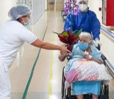Abuelita de 94 años gana batalla al Coronavirus