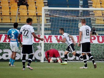 Napoli se estrella en Parma