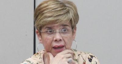 Desirée Masi critica unidad de la ANR y la gente pide que retire a sus ministros del Gobierno por coherencia