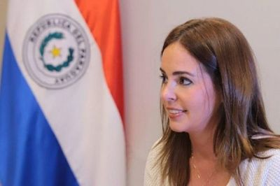 Primera dama y su familia crean empresas offshore en EEUU y Panamá