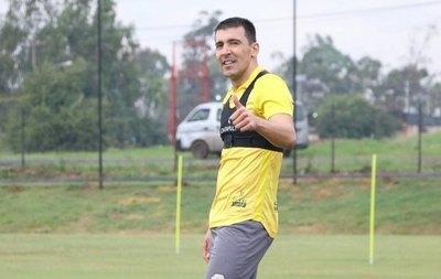'Pájaro' Benítez y su reclamo por el penal de Olimpia