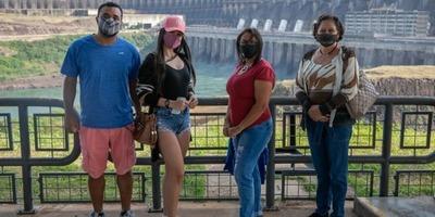 Complejo turístico Itaipu empezó a recibir a turistas en el lado brasileño