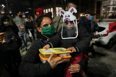 """Uruguay trabaja para evitar """"trasmisión comunitaria masiva"""" de COVID-19"""