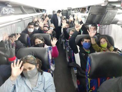 63 compatriotas retornan este viernes al país desde Buenos Aires