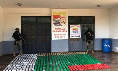 Incautan más de 300 kilos de marihuana a orillas del Paraná