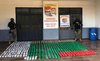 Armada incauta 300 kg de droga ocultos bajo aguas del Río Paraná