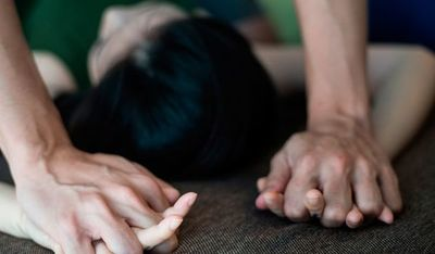 Detienen a un hombre por intentar abusar de su hijastra