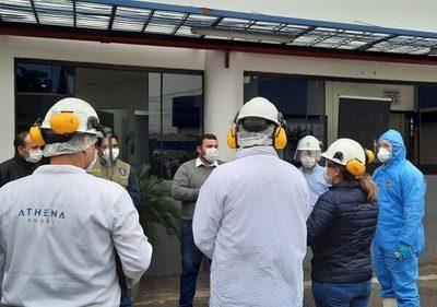 Municipalidad recomienda cese de actividades de frigorífico por brote de Covid-19