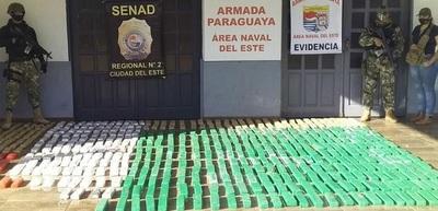 Incautaron 300 kilos de marihuana en una lancha a orillas del río Paraná