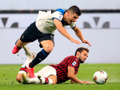 Milan se planta ante el Atalanta y deja el camino libre a la Juventus