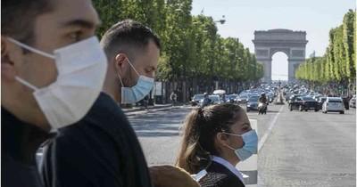 COVID-19 por el mundo: Francia exige prueba a viajeros de 16 países