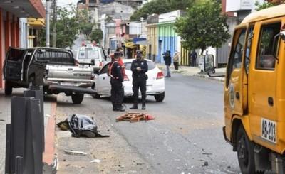 Semáforo descompuesto ocasionó choque fatal de vehículos