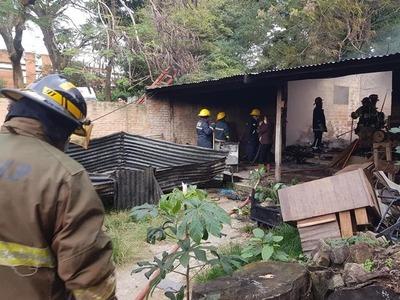 Bomberos sofocan incendio – Prensa 5