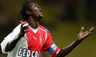 Monaco saluda a Olimpia con una postal de Adebayor