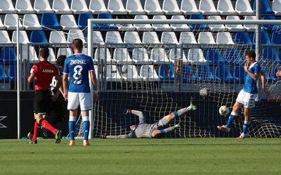 Parma celebra la permanencia con victoria