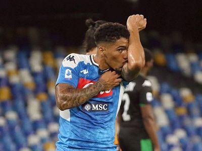 Victoria del Napoli y cuatro goles anulados al Sassuolo