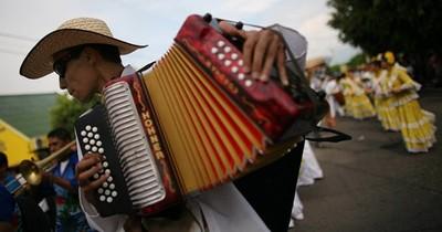 Vallenato: el canto popular colombiano que echó sus raíces en Paraguay