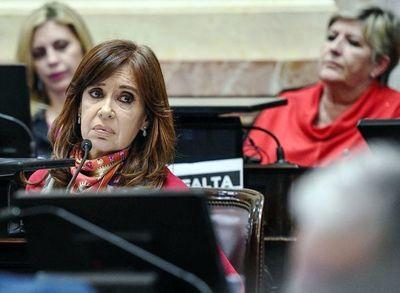 Justicia reanuda juicio contra Kirchner
