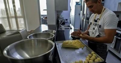 De piloto a vendedor de pan: ¿cómo se reinventan los oficios en Centroamérica?