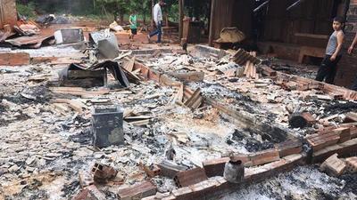Incendio hizo cenizas una vivienda