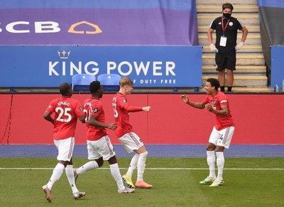 Manchester United y Chelsea van a Champions; Aston Villa salva la categoría
