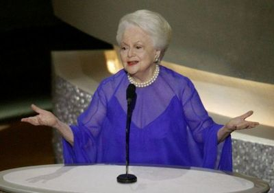 A los 104 años muere Olivia de Havilland, estrella de Lo que el viento se llevó