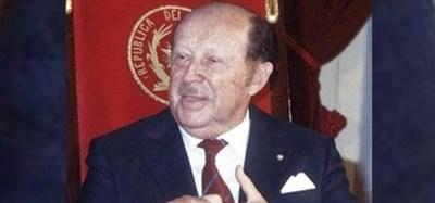 Polémica por pedido de exhumación de restos mortales del dictador Alfredo Stroessner