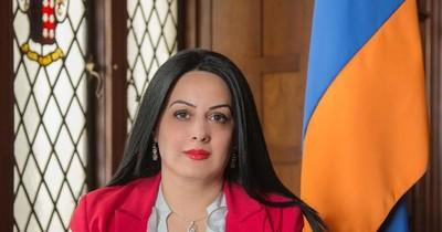 """""""El Papa Francisco también ha formulado votos por la paz en la frontera armenio-azerí"""", afirma embajadora"""