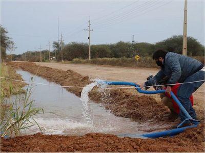 """Intendente de Loma Plata: """"El agua llega en un momento de sequía"""""""