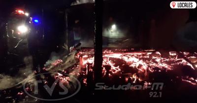 Incendio consume totalmente una humilde vivienda en Carlos Antonio López