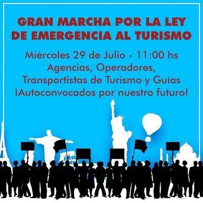 Trabajadores del sector turismo marchan por ley de Emergencia Turística