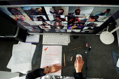 Tigo y Unicef buscan formar digitalmente a 10 mil maestros