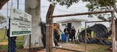 Pobladores de Santiago reciben aporte para mejorar sistema de agua potable