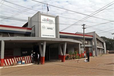 Confirman dos casos positivos de covid-19 en Tacumbú