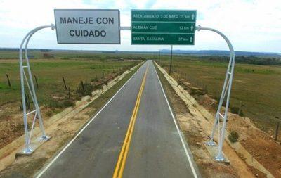 Familias de Caaguazú acceden a viviendas y conectividad vial
