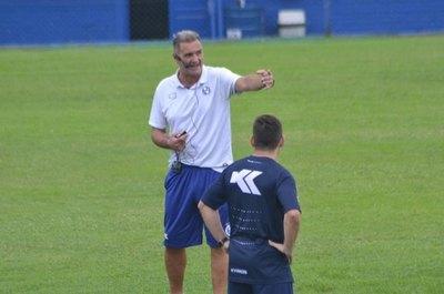 Sol de América: 11 entrenadores en 4 años, desde la salida de Garnero
