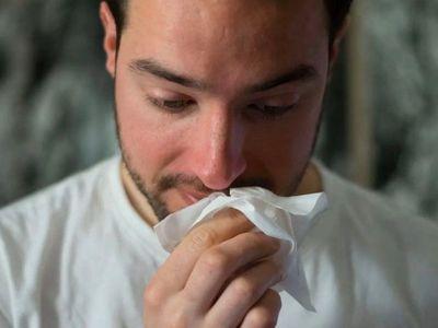 Estudian dispersión de gotas de saliva en sitios públicos