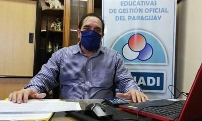 """HOY / Gremio de directores cuestiona proceso educativo durante la pandemia y cree necesario """"un cambio de timón"""""""