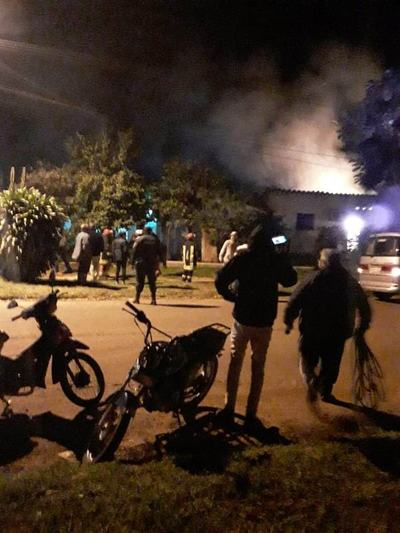 Mujer muere calcinada en incendio de vivienda en Misiones