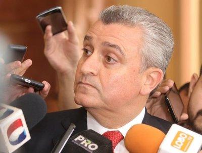 Aseguran que Abdo Benítez no tomará decisiones apresuradas sobre denuncia contra Friedmann