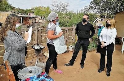 """Recicladores lloran miseria ante autoridades que acudieron a ellos con """"víveres virtuales"""""""