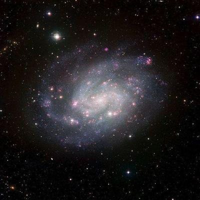 Hallan restos de estrellas antiguas destruidas por la Vía Láctea