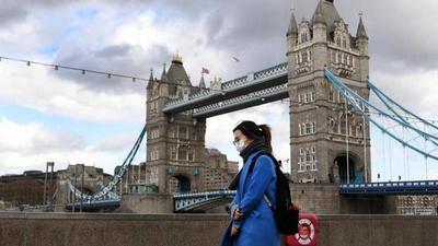 Londres estudia alternativas a cuarentena ante presión política y económica
