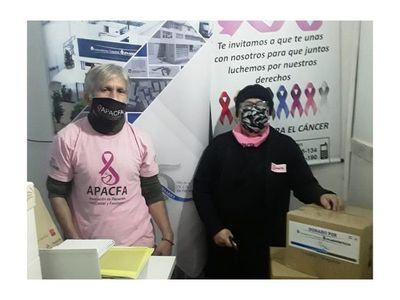Laboratorios Catedral entregó donaciones a pacientes con cáncer