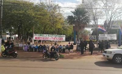 Ciudadanos indignados se movilizan de nuevo por la intervención
