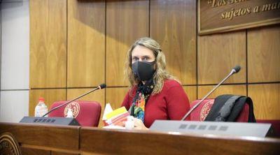"""Diputada en contra de medidas cautelares: """"la solución es declarar en emergencia la Justicia"""""""